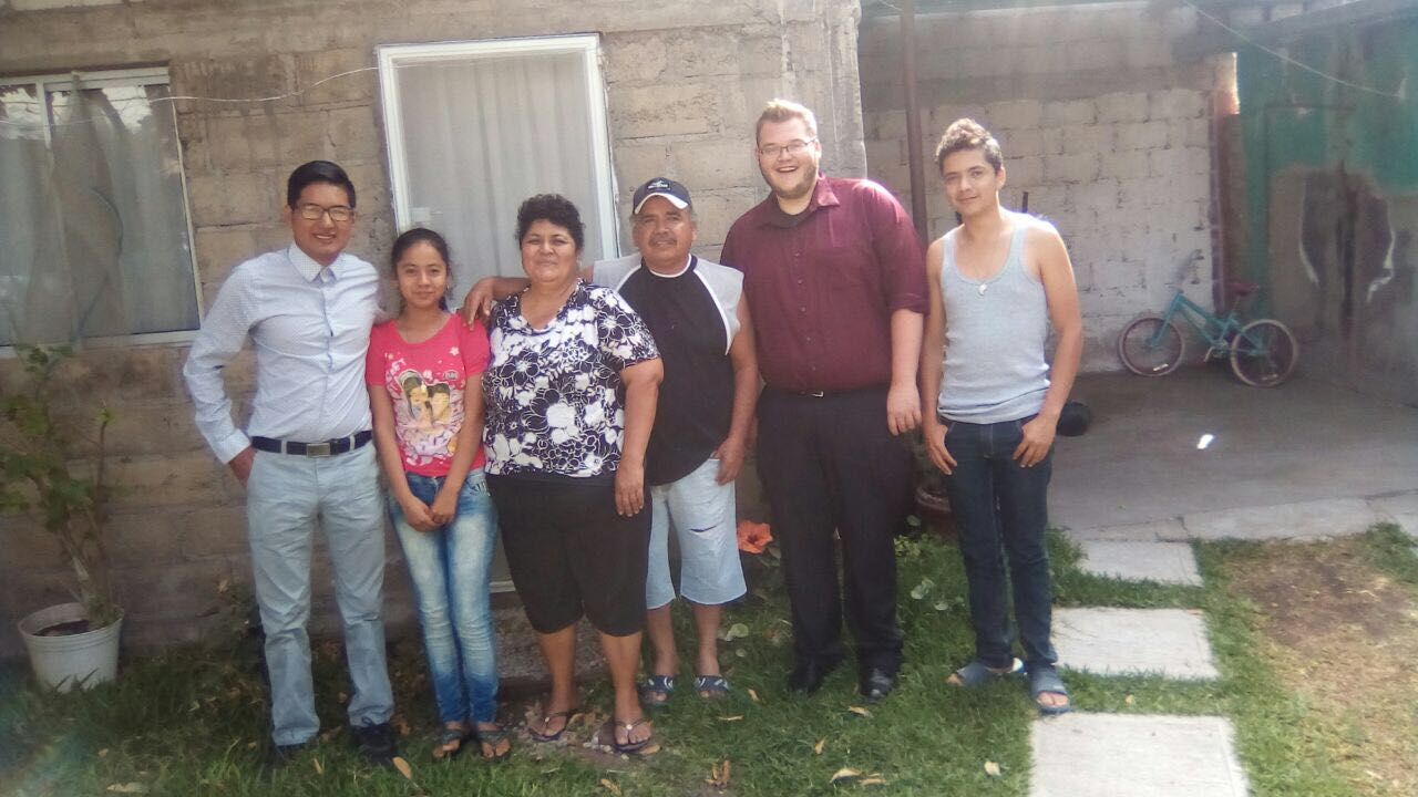 Student with Mexican host family