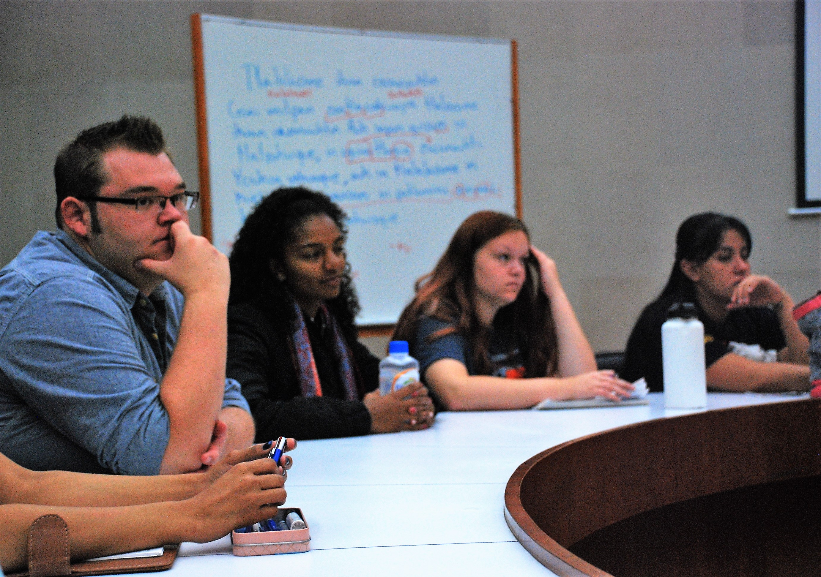 Social Work students in discussion with UNAM students